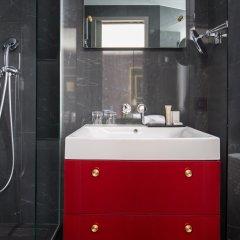 Отель Snob Hotel by Elegancia Франция, Париж - 2 отзыва об отеле, цены и фото номеров - забронировать отель Snob Hotel by Elegancia онлайн ванная фото 2