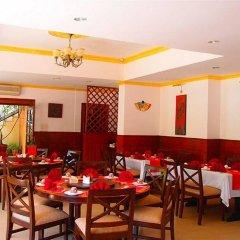 Отель Park Village by KGH Group Непал, Катманду - отзывы, цены и фото номеров - забронировать отель Park Village by KGH Group онлайн питание фото 3