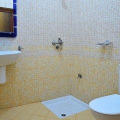 Отель Nobel Hotel Албания, Тирана - отзывы, цены и фото номеров - забронировать отель Nobel Hotel онлайн ванная