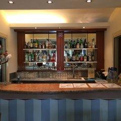 Hotel Lario Меззегра гостиничный бар