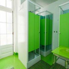Golden Tram 242 Lisbonne Hostel Лиссабон ванная фото 2