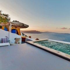 Отель Chroma Suites Греция, Остров Санторини - отзывы, цены и фото номеров - забронировать отель Chroma Suites онлайн бассейн фото 2