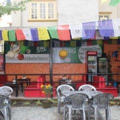 Отель Travellers Dorm Bed & Breakfast Непал, Катманду - отзывы, цены и фото номеров - забронировать отель Travellers Dorm Bed & Breakfast онлайн бассейн фото 2