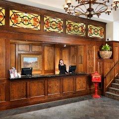 Отель Huntingdon Manor Hotel Канада, Виктория - отзывы, цены и фото номеров - забронировать отель Huntingdon Manor Hotel онлайн интерьер отеля