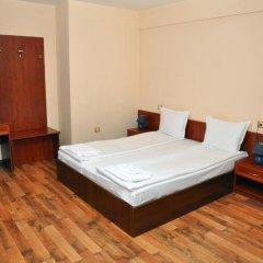 Hotel Fedora сейф в номере
