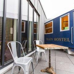 Отель Train Cabin Hostel Бельгия, Брюссель - отзывы, цены и фото номеров - забронировать отель Train Cabin Hostel онлайн балкон