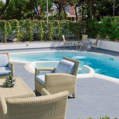 Отель Mercure Rimini Lungomare бассейн фото 2