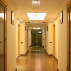 Отель Dee Marks Hotel & Resorts Индия, Нью-Дели - отзывы, цены и фото номеров - забронировать отель Dee Marks Hotel & Resorts онлайн интерьер отеля фото 3