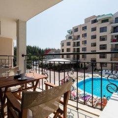 Апартаменты Two Bedroom Apartment with Kitchen & Balcony балкон