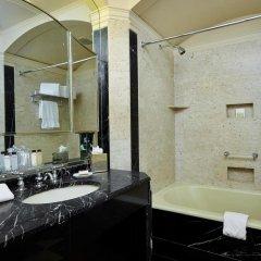 Отель Waldorf Astoria New York США, Нью-Йорк - 8 отзывов об отеле, цены и фото номеров - забронировать отель Waldorf Astoria New York онлайн ванная