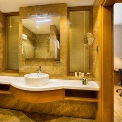 Hilton Garden Inn Kocaeli Sekerpinar Турция, Стамбул - отзывы, цены и фото номеров - забронировать отель Hilton Garden Inn Kocaeli Sekerpinar онлайн ванная