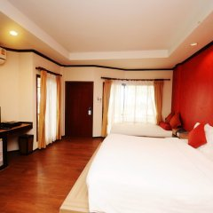 Отель Lanta Sand Resort & Spa сейф в номере
