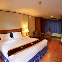 Отель Silom Village Inn комната для гостей фото 2