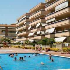 Отель RVhotels Apartamentos Ses Illes Испания, Бланес - отзывы, цены и фото номеров - забронировать отель RVhotels Apartamentos Ses Illes онлайн бассейн