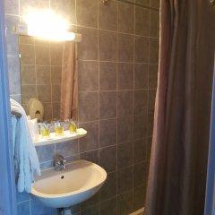 Отель Hôtel Saint-Hubert ванная фото 4