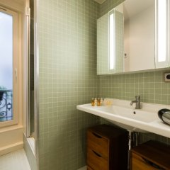 Отель Pompidou Hideaway Франция, Париж - отзывы, цены и фото номеров - забронировать отель Pompidou Hideaway онлайн ванная фото 2