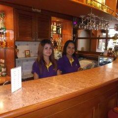 Отель Chaiyapoon Inn Таиланд, Паттайя - отзывы, цены и фото номеров - забронировать отель Chaiyapoon Inn онлайн гостиничный бар