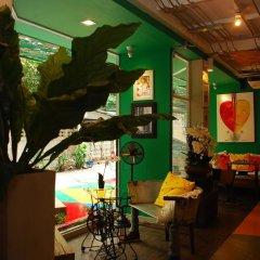 Silom Art Hostel Бангкок гостиничный бар