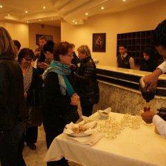 Отель La Maison Hotel Иордания, Вади-Муса - отзывы, цены и фото номеров - забронировать отель La Maison Hotel онлайн питание фото 3