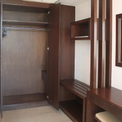Отель Manohra Cozy Resort сейф в номере
