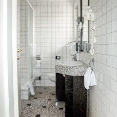 Отель Altera Pars Германия, Кёльн - отзывы, цены и фото номеров - забронировать отель Altera Pars онлайн ванная фото 2