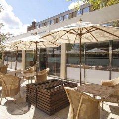 Отель Premier Inn London Hampstead бассейн