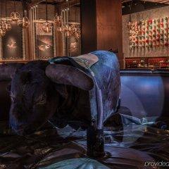 Отель The LINQ Hotel & Casino США, Лас-Вегас - 9 отзывов об отеле, цены и фото номеров - забронировать отель The LINQ Hotel & Casino онлайн развлечения