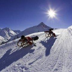 Отель Das Central – Alpine . Luxury . Life спортивное сооружение