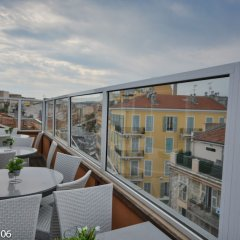 Отель Hôtel de Suède Франция, Ницца - 8 отзывов об отеле, цены и фото номеров - забронировать отель Hôtel de Suède онлайн балкон