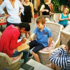Suryaa Villa - A City Centre Hotel детские мероприятия фото 2