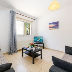 Отель Sirena Bay Villa 14 Кипр, Протарас - отзывы, цены и фото номеров - забронировать отель Sirena Bay Villa 14 онлайн комната для гостей фото 2
