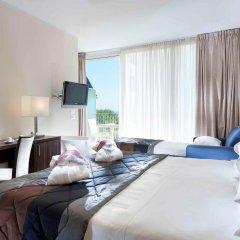 Отель Mercure Rimini Lungomare комната для гостей
