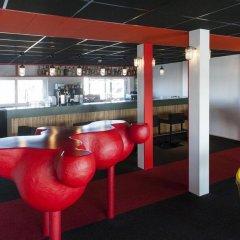 Отель Botel гостиничный бар