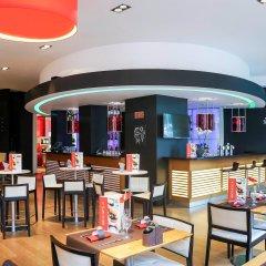 Отель Novotel Brussels Off Grand Place Бельгия, Брюссель - 4 отзыва об отеле, цены и фото номеров - забронировать отель Novotel Brussels Off Grand Place онлайн бассейн