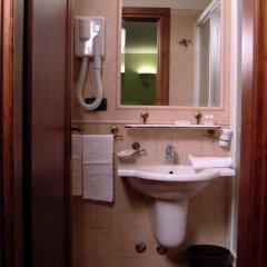Отель Domus Sessoriana Италия, Рим - 12 отзывов об отеле, цены и фото номеров - забронировать отель Domus Sessoriana онлайн ванная фото 2