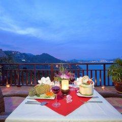 Отель Sandalwood Luxury Villas питание