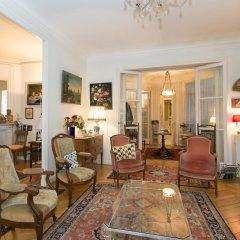 Отель Appartement Champs Elysées Париж интерьер отеля фото 3