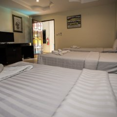 Отель Patong Hillside сейф в номере