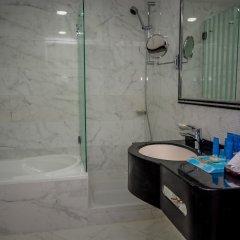 Отель Al Salam Grand Hotel-Sharjah ОАЭ, Шарджа - отзывы, цены и фото номеров - забронировать отель Al Salam Grand Hotel-Sharjah онлайн ванная