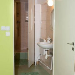 Отель Zielony Domek Польша, Гданьск - отзывы, цены и фото номеров - забронировать отель Zielony Domek онлайн ванная фото 2