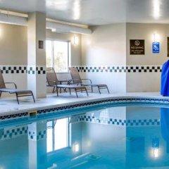 Отель Comfort Suites Columbus West - Hilliard США, Колумбус - отзывы, цены и фото номеров - забронировать отель Comfort Suites Columbus West - Hilliard онлайн бассейн фото 3