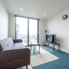 Апартаменты Modern 2 Bedroom Apartment in Northern Quarter комната для гостей фото 4