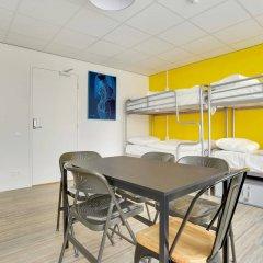 Отель Dutchies Hostel Нидерланды, Амстердам - отзывы, цены и фото номеров - забронировать отель Dutchies Hostel онлайн комната для гостей фото 2