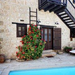 Отель Leonidas Village Houses пляж