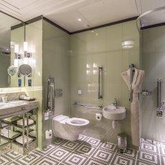The Beaumont Hotel ванная