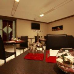 Hotel Diplomatic интерьер отеля фото 3