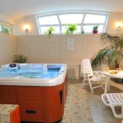 Отель Borsodchem Венгрия, Силвашварад - 1 отзыв об отеле, цены и фото номеров - забронировать отель Borsodchem онлайн бассейн фото 2