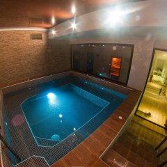 Enira Spa Hotel бассейн