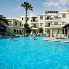Отель Hilltop Gardens бассейн фото 2