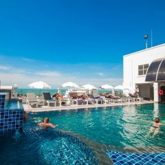 Отель Flipper House Паттайя бассейн фото 4